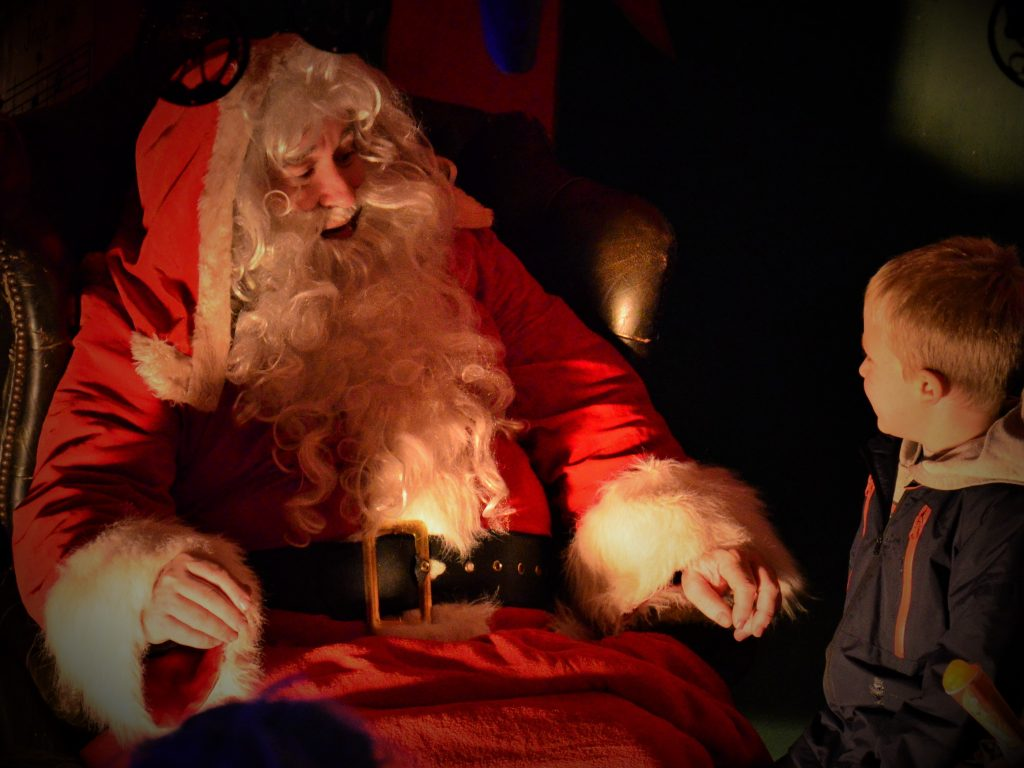 Santa pooles cavern buxton country park - Buxton swimming pool opening times ...